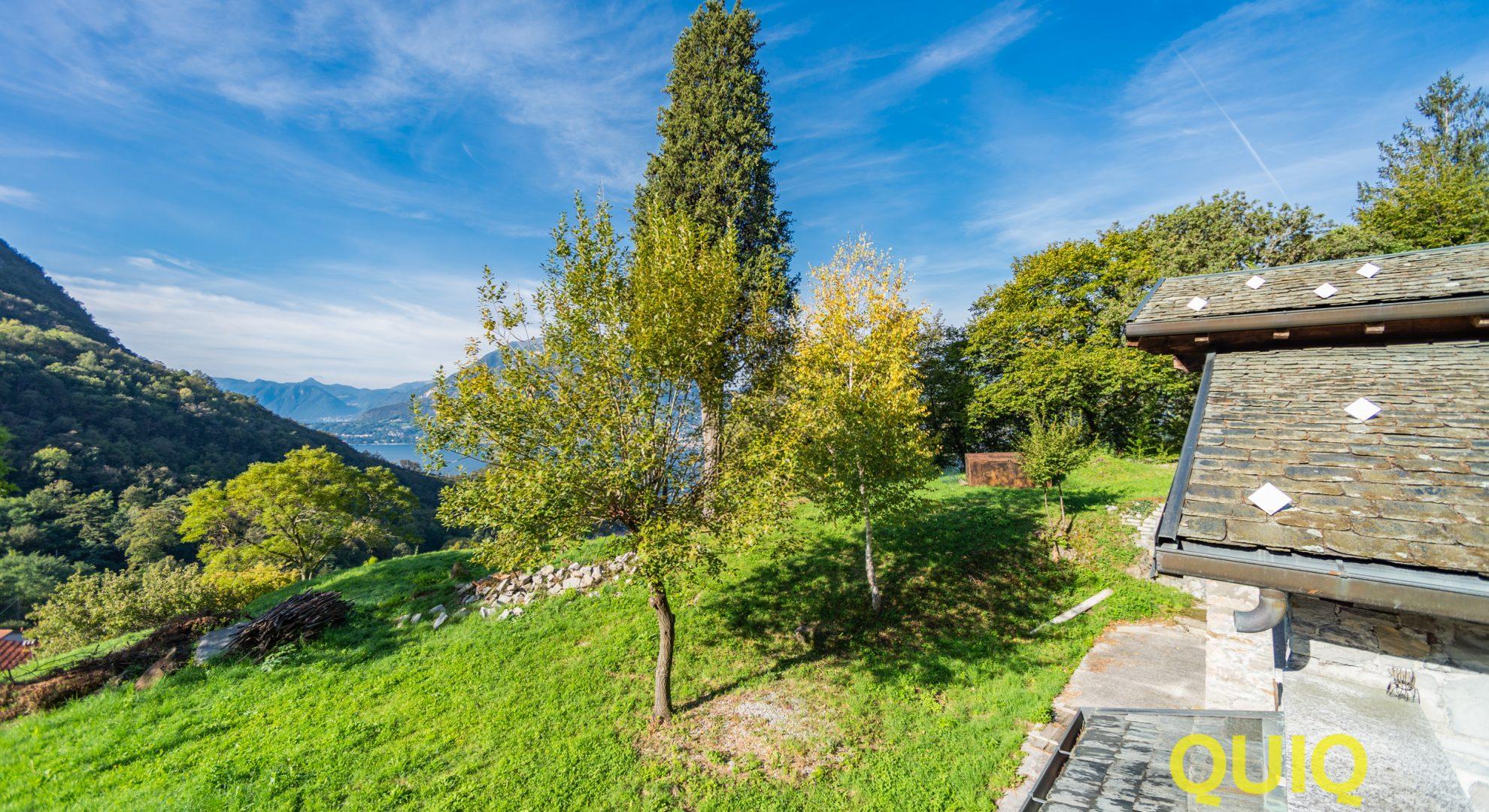 Perledo: prestigiosa villa singola con vista lago